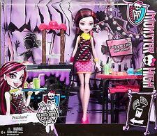 Monster High Beast Bites Cafe Draculara Daughter of Dracula Doll & Playset New