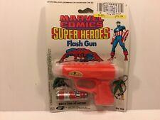 Rare Marvel Comics Super Heroes Capt. America FLASH GUN MOC Sealed w/battery