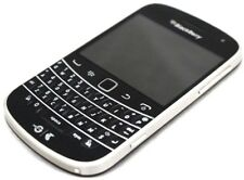 "BlackBerry Bold 9900 2.8"" 640x480 pixels 5MP 720p 768MB RAM 1.2 GHz QC 8655"