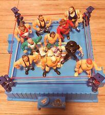 WWF Wrestling Ring mit 10 Figuren