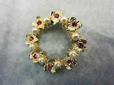 """Fashion jewelry wreath Hearts and fake Pearls 1 1/4 tall width/same 1 1/4"""""""