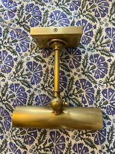 "NIB Visual Comfort 8"" Cabinet Makers Picture Light, Antique Brass"