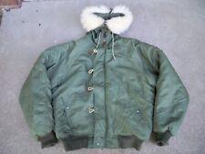 US Army Military Parka Jacket Coat Size Medium Extreme Cold Weather N-2B Snorkel