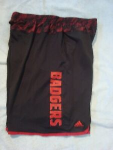 Adidas Wisconsin Badgers Logo Shorts 2 Pocket Polyester Black Red 2XL