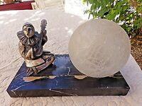 Ancienne lampe de chevet-pierrot art-déco-veilleuse boule blanche en verre