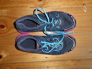Vasque Women's Pendulum Trail Running Shoe, Black Blue, deep pink size 8.5