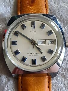 NOS 1973 Mens Vintage TIMEX VISCOUNT Day Date Oversize Automatic Wristwatch