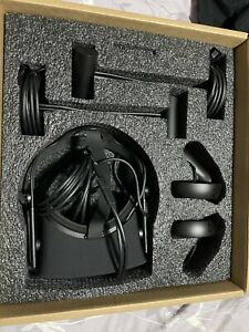 Oculus Rift CV1 With 2 Sensors And 2 Controllers
