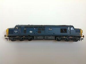 Bachmann Class 37 00 gauge split headcode BR Blue (weathered)