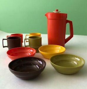 Vintage 1970s Tupperware Toys 10-piece dishware playset, good condition