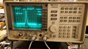hp 8560E Spectrum Analyzer refurbished  30Hz to 2.9Ghz  With TRACKING GENERATOR