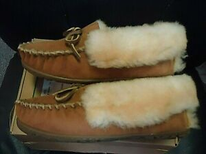 LL Bean Womens Tan  Wicked Good Slipper Moccasins Size 7 Medium With Box