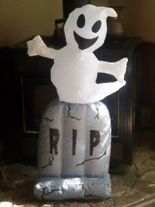 HALLOWEEN LIGHTED AIRBLOWN INFLATABLE GHOST ON TOMBSTONE GRAVE FIGURE PROP YARD