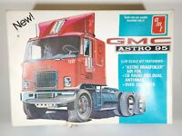 AMT #T510 GMC ASTRO 95 Semi Trailer Cab Model Kit 1:25 Scale Original Issue