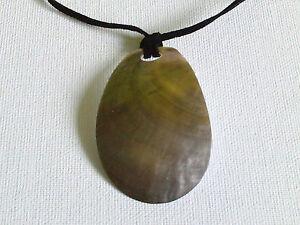 Sterling silver curved blacklip necklace