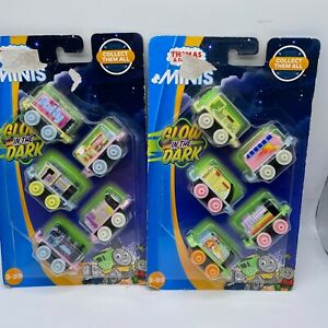 2018 Thomas & Friends Minis Glow in the Dark 10pc Set New and Factory Sealed