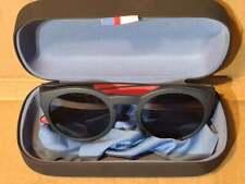 Men's Tommy Hilfiger Sunglasses / Cloth / Hard Case