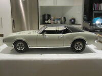 1/18 ACME A1805206 1968 PONTIAC FIREBIRD WHITE WITH BLACK ROOF *NEW* 1 OF 510!!!