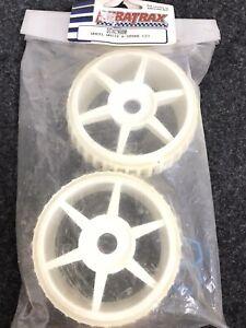 DuraTrax RC Car Wheel w/6-Spoke White (2) DTXC9880 NEW D01-96