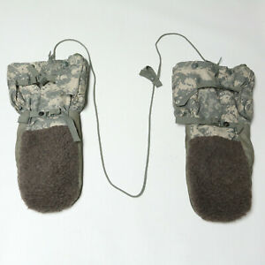 US Military Issue Digital ACU Arctic Extreme Cold Weather Mittens Medium