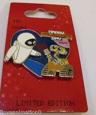 Disney Valentine's Day Wall-E and Eve Pin