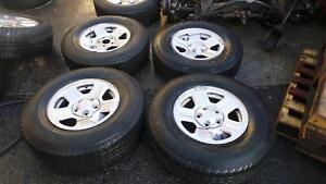 WRANGLER 2008 Wheel Set 245/75 R16 2 NEW TYRES NEEDED 1 CENTRE CAP MISSING