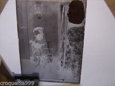 ancienne plaque photo verre PETITE FILLE JOUET CHIEN PELUCHE FILLETTE
