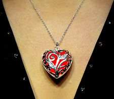 Red Glowing Jewelry Glow in the Dark Heart Pendant Necklace & UV Torch Charger