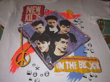 NEW KIDS ON THE BLOCK VINTAGE 1990 LARGE TEE SHIRT SCREEN STARS TAG