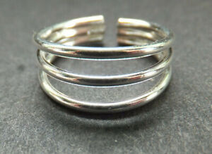 SOLID SILVER TOE RING, 3 strand design *BN* good quality, sturdy, .925 STERLING