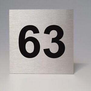Hausnummer Schild 20x20cm Alu-Dibond in Edelstahl Optik mit Ihrer Wunschzahl