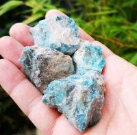 RAW CHUNKS OF NATURAL BLUE APATITE. 1 PIECE. HEALING CRYSTAL. FROM MADAGASCAR