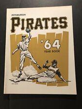 1964 PITTSBURGH PIRATES Yearbook WILLIE STARGELL Roberto CLEMENTE Bill MAZEROSKI