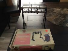 Vintage Bachmann PLASTICVILLE  1951 O SCALE  SIGNAL BRIDGE with box, used