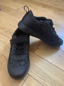 Clarks Boys School Shoes/Trainers Black  Size Uk 12 G