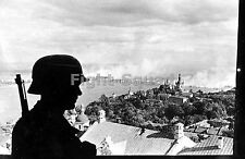 WW2 Picture Photo A German sentry overlooking the Pechersk Lavra Monastery 1225