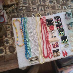 Small Job Lot Of Vintage 1970s/1980s Costume Jewellery