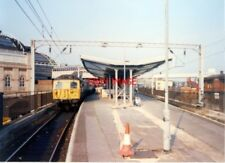 PHOTO  1989 MANCHESTER PICADILLY RAILWAY STATION  13 14 WEST END