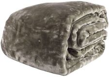 500 GSM Paxton & Wiggin Luxury Classic Taupe Faux Fur Queen / King Mink Blanket