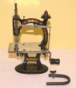 Amazing Antique FOLEY & WILLIAMS MIDGET Cast Iron Sewing Machine Great Graphics