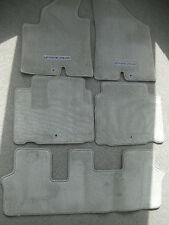 Hyundai Veracruz gray carpet floor mats 07-09
