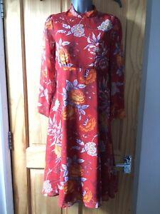 Red Long sleeve Botanical Print Midi Dress With Open Back - UK Size 10 Petite