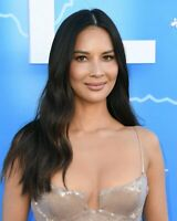 OLIVIA MUNN 8x10 Celebrity Photo Photograph