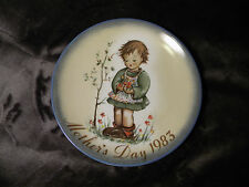 """1983 Mother's Day """"Spring Bouquet"""" Schmid 7 3/4"""" collector plate"""
