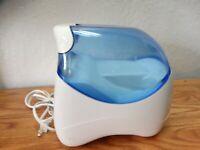 Vicks Filtered Cool Moisture Humidifier Sm/Med Room 1.0 Gallon Model V3100