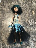 Monster High Cleo de Nile Ghouls Rule mummy fashion doll Mattel
