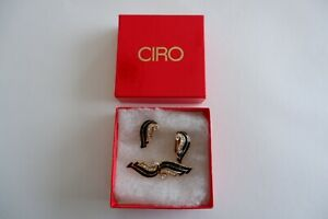 CIRO GOLD TONE ZIRCONIA & ENAMEL STUDDED BROOCH & EARRINGS SET - C1980'S, BOX,