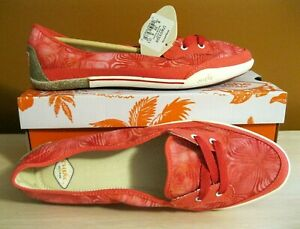 CUSHE HOFFMAN PINK CANVAS TWO EYE SLIP ON VESPADRILLE FLATS SHOES 8 NEW BOX