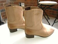 Womens Levis Cowboy style, light brown, leather Boots, size uk6.