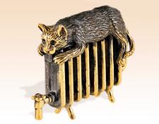 Сat sleeps on battery Miniature Bronze Figurine art manual processing rare